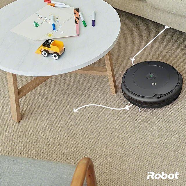 iAdapt navigasyon sayesinde Roomba 693 duvarların tamamı boyunca, mobilyaların çevresinde ve altlarında dolaşır mükemmel şekilde temizler. 🤖💚  #Roomba693 #iRobot #RobotSüpürge