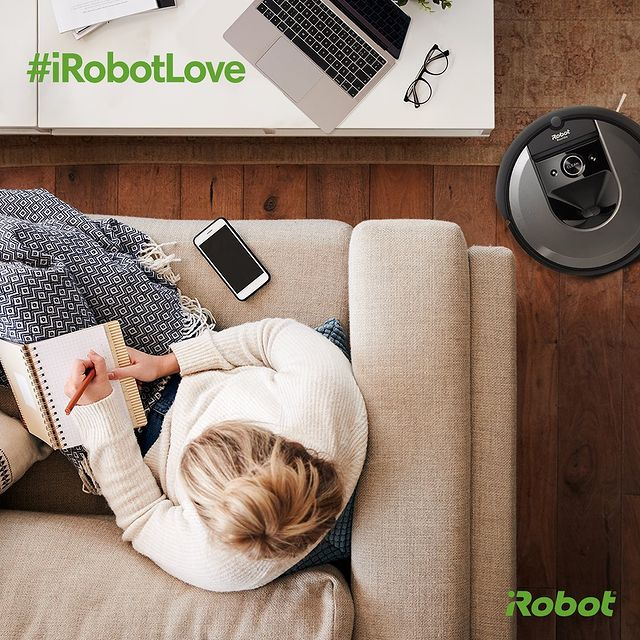iRobot'unuz ile olan anınızı #iRobotLove etiketi ile paylaşın sayfamızda yayınlayalım. 📲📸  #iRobot #Roomba #RobotSüpürge