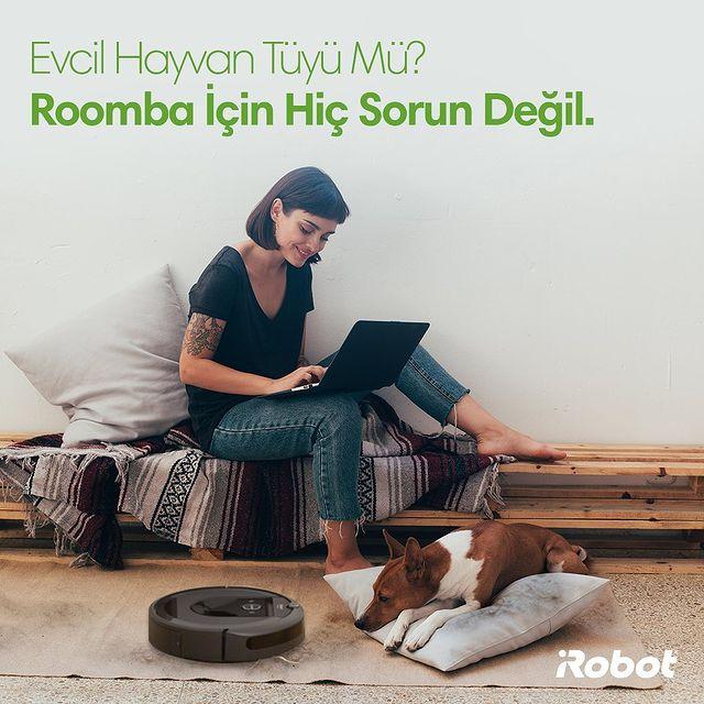 Evcil hayvan tüyü mü? Roomba için hiç sorun değil. Patentli fırçalarımız ve güçlü temizleme sistemimiz sayesinde, evinizdeki kusursuz temizliğin keyfini sürün. 🐶🤖  #iRobot #Roombai7 #RobotSüpürge