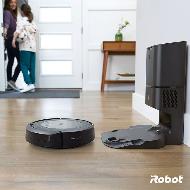 iRobot ailesinin yeni üyesi Roomba i3+ ile tanışma zamanı! 🤗 Düz hat navigasyon ve CleanBase temizleme istasyonuna sahip i3+ sayesinde kendinize ayırdığınız zamanın tadını çıkarın. 💚🔭  #Roombai3Plus #iRobot #RobotSüpürge