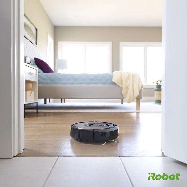 Güne iRobot Roomba temizliğiyle başlayanlar burada mı? 🤖   #iRobot #Roomba #Roombai7 #Roombai7Plus #VaktinizSizeKalsın