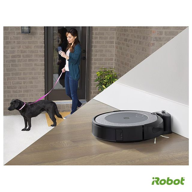 Siz dostunuzla yürüyüş yaparken, Roomba i3 evinizi pırıl pırıl yapsın. Şimdi #iRobotHome uygulamasını akıllı telefonunuza indirin, evde olmanıza gerek kalmadan temizliği başlatın. 📲🤖  #iRobot #Roombai3 #RobotSüpürge #VaktinizSizeKalsın