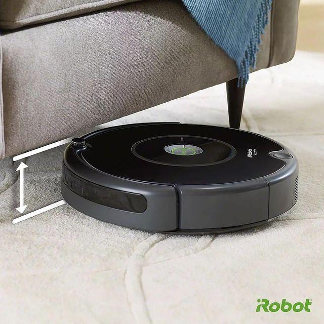 Roomba 606 akıllı robot süpürge modelimiz, hassas tampon özelliğiyle mobilyalarınıza zarar vermez. Yatak, masa ve koltuk gibi belirgin engelleri tespit eder, derinlemesine etkili temizlik sağlar. 🤗💚  #iRobot #RobotSüpürge #Roomba606 #AkıllıSeçim